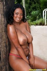 Berühmte lateine Pornostar in Nacktebildern