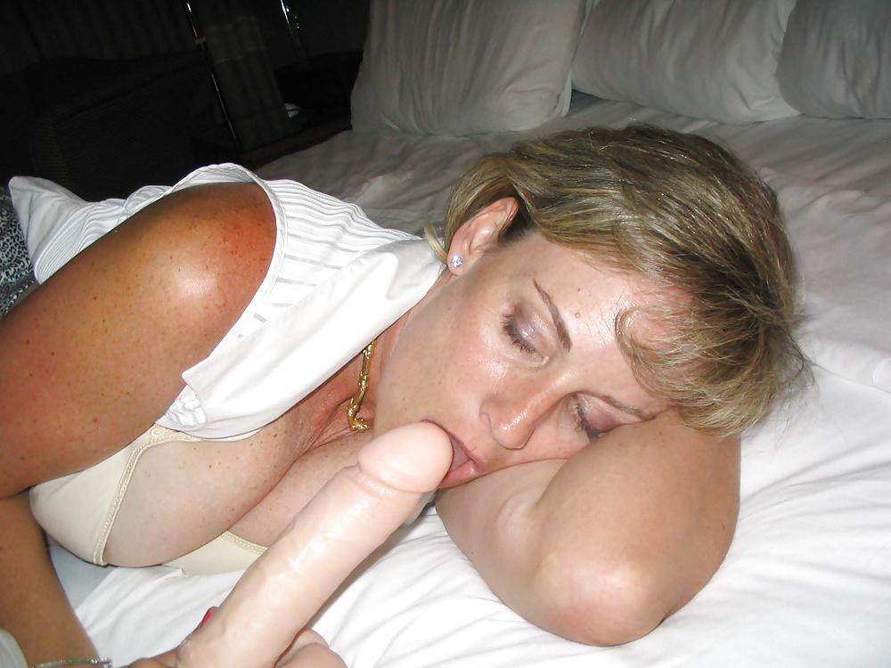 Milfs blasen die Schwänzen in Hardcoresexbildern