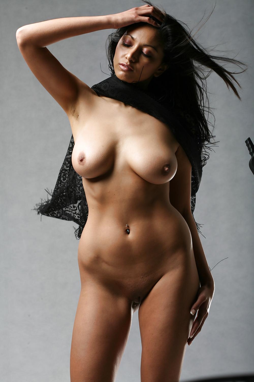 Indianisches Mädchen hat grossen Titten und säugeren Mund - Bild 4
