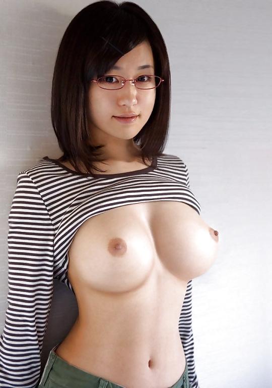 Diese Schönheiten haben nicht nur wohlgeformten Körper, erwünschten Arsch auch. - Bild 5