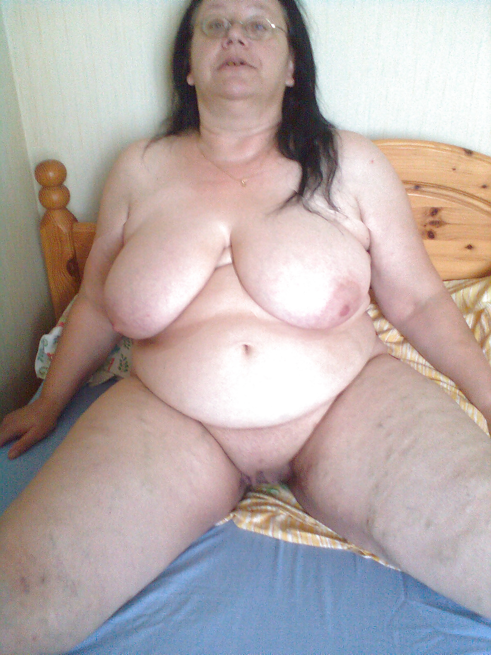 Junger und alter nackter Körper - Bild 10