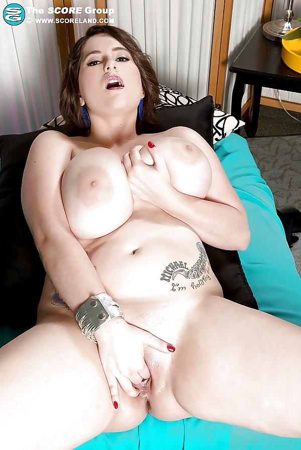 Große Brüsten masturbieren in kostenlos Bildern - Bild 9