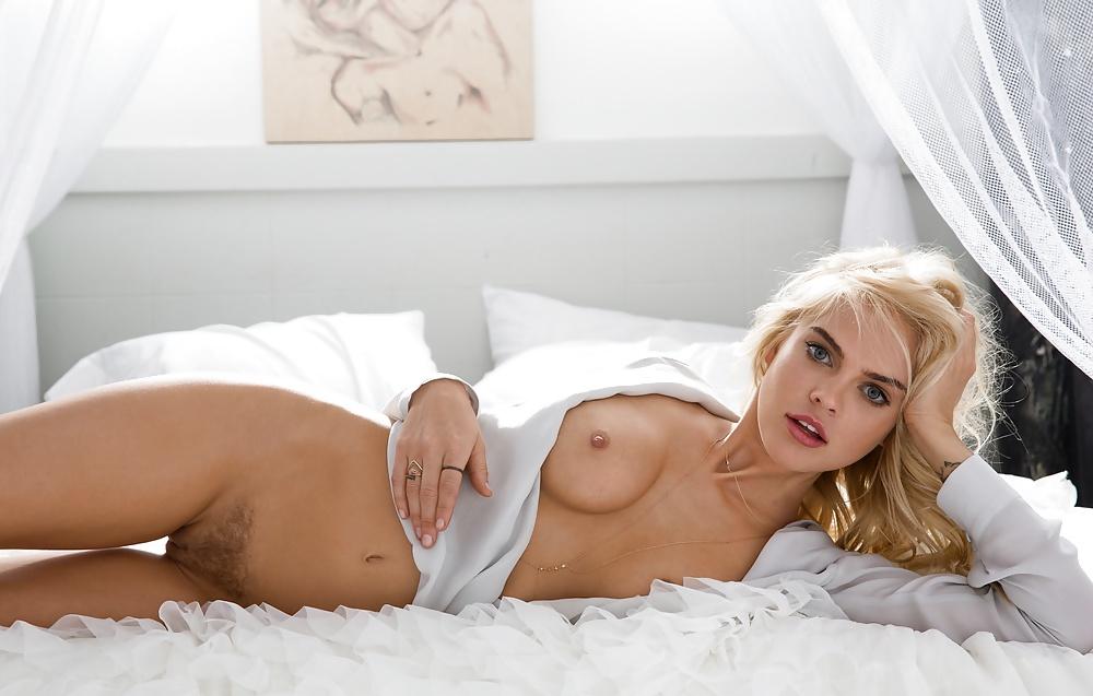 Rachel Harris kümmert sich um ihren Körper. - Bild 10