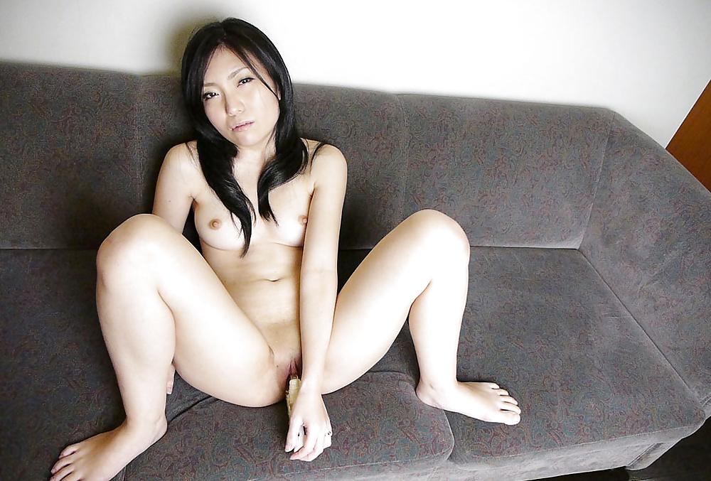 Bekannte Pornoschauspielerin leckt Penis in Fotos - Bild 9