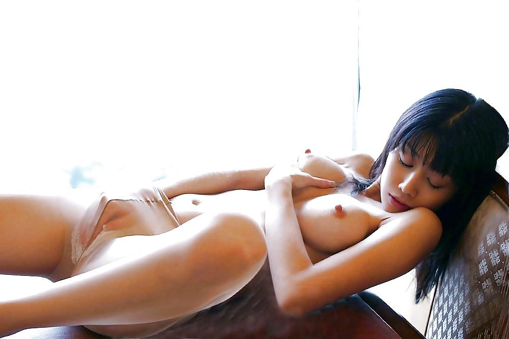 Geiles Mädchen aus Asiat mit ausgehungertem Körper - Bild 7