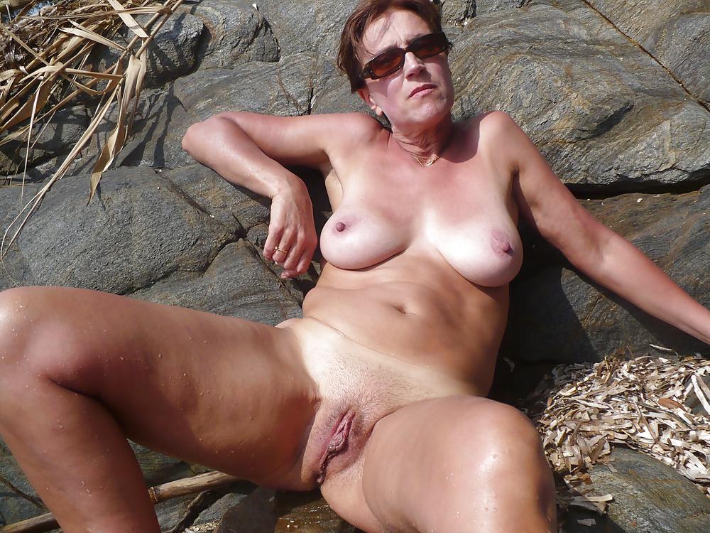 Bildern aus dis amateure Milf zwischen nackten - Bild 10