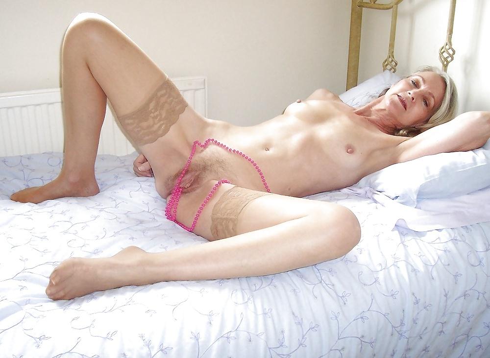Reife Frauen zeigt die schöne Körperteile - Bild 8