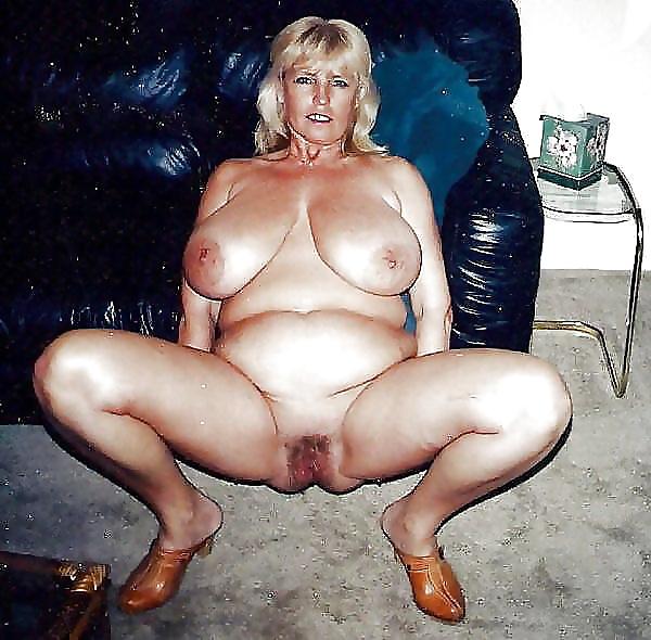Reife Frauen zeigt die schöne Körperteile - Bild 4