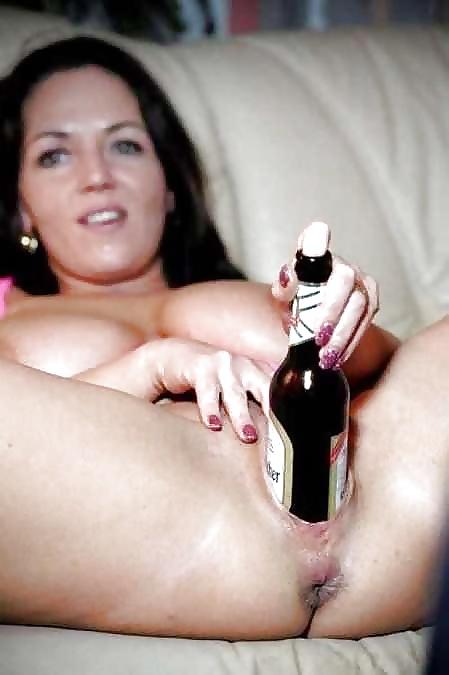 Jugendlichen masturbieren mit eine Flasche - Bild 4