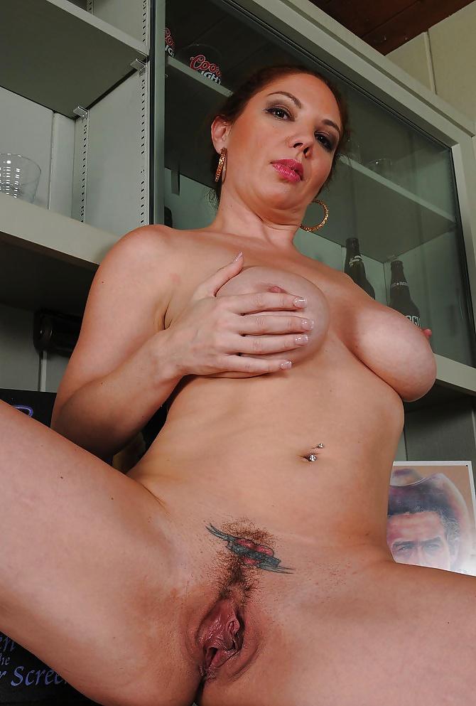 Jüngere Küken in Nacktbildern - Bild 4