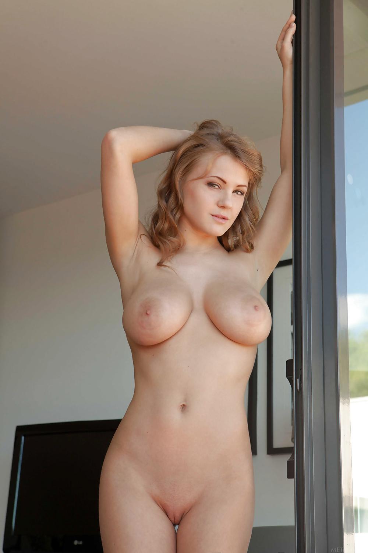 natürliche große Brüste Foto